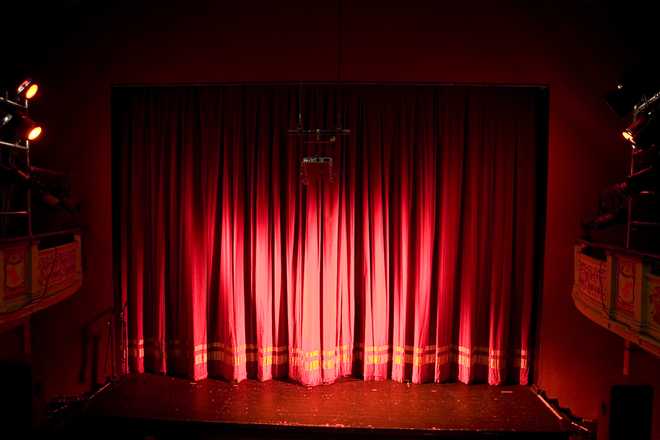 stage-curtains